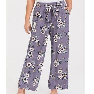 Torrid grey crepe wide leg floral pull on pants 1